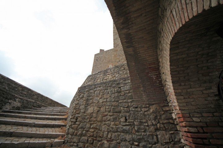 """Malatesta Fortress, Montefiore Conca<br /><a href=""""https://static.riviera.rimini.it/tl_files/gallerie/orig/img_4070amontefiore.jpg.zip"""" target=""""_blank"""" class=""""photo-download"""">Download high resolution image</a>"""
