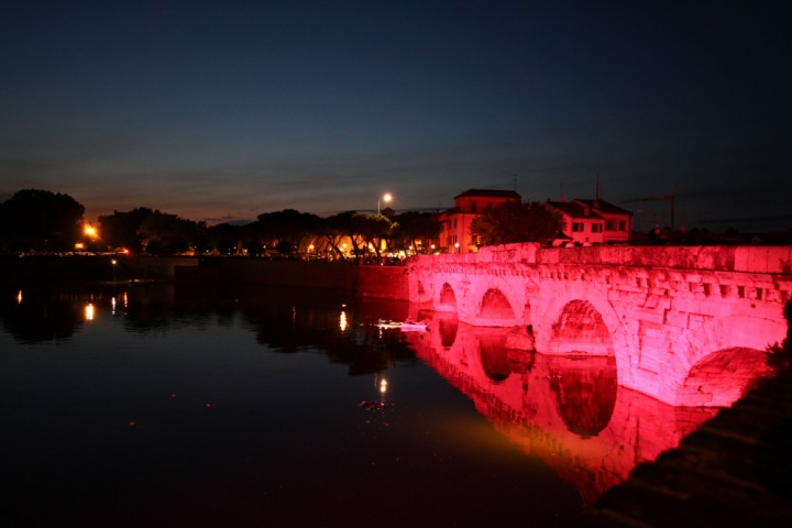 "The pink night - La Notte Rosa, Rimini<br /><a href=""https://static.riviera.rimini.it/tl_files/gallerie/orig/img_4614.jpg.zip"" target=""_blank"" class=""photo-download"">Download high resolution image</a>"