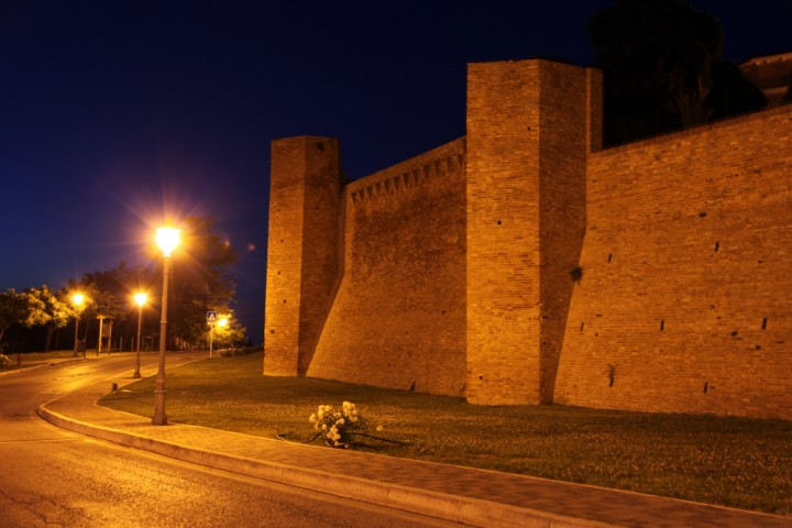 "Ancient city walls, San Clemente<br /><a href=""https://static.riviera.rimini.it/tl_files/gallerie/orig/img_6427asclemente.jpg.zip"" target=""_blank"" class=""photo-download"">Download high resolution image</a>"