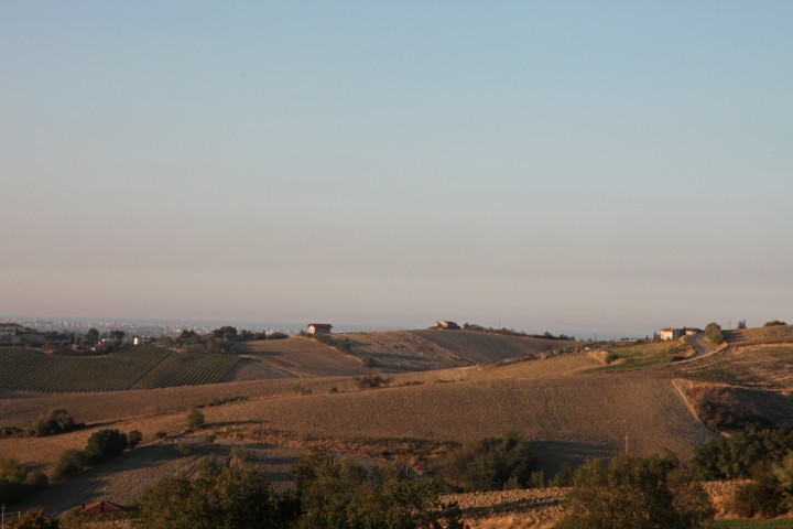 """Countryside, San Clemente<br /><a href=""""https://static.riviera.rimini.it/tl_files/gallerie/orig/img_7856asclemente.jpg.zip"""" target=""""_blank"""" class=""""photo-download"""">Download high resolution image</a>"""