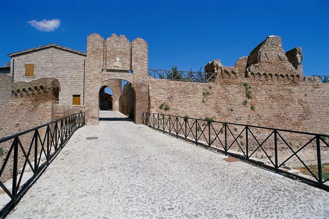 """City gate, Coriano<br /><a href=""""https://static.riviera.rimini.it/tl_files/gallerie/orig/porta-ingresso2.tif.jpg.zip"""" target=""""_blank"""" class=""""photo-download"""">Download high resolution image</a>"""