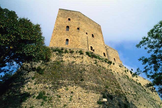 "Malatesta fortress, Montefiore Conca<br /><a href=""https://static.riviera.rimini.it/tl_files/gallerie/orig/rocca-malatestiana1.tif.jpg.zip"" target=""_blank"" class=""photo-download"">Download high resolution image</a>"