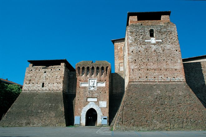 "Castel Sismondo, Rimini<br /><a href=""https://static.riviera.rimini.it/tl_files/gallerie/orig/rocca_ingresso.jpg.zip"" target=""_blank"" class=""photo-download"">Download high resolution image</a>"