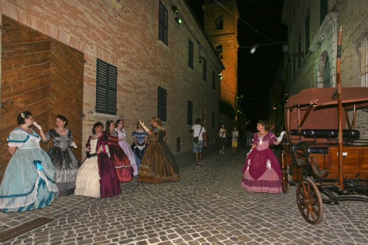 "Festival dedicated to Nineteenth-century, Saludecio<br /><a href=""https://static.riviera.rimini.it/tl_files/gallerie/orig/saludecio-800-festival-19.jpg.zip"" target=""_blank"" class=""photo-download"">Download high resolution image</a>"