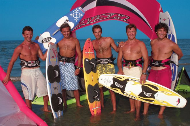 """Surf<br /><a href=""""https://static.riviera.rimini.it/tl_files/gallerie/orig/surfisti_a.jpg.zip"""" target=""""_blank"""" class=""""photo-download"""">Download high resolution image</a>"""