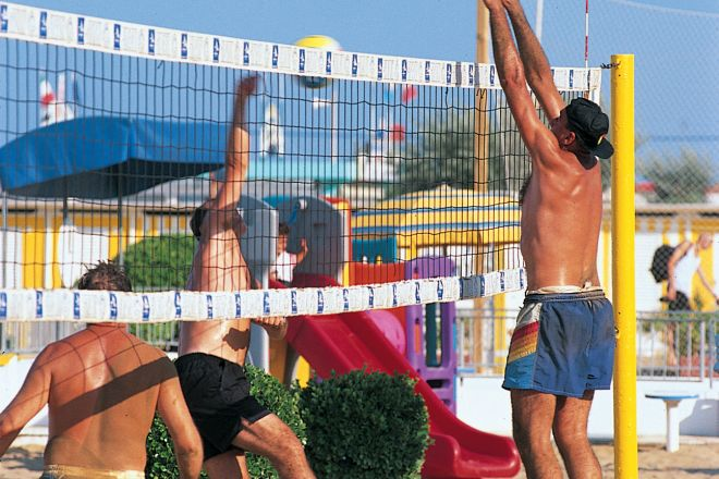 "Beach volley, Rimini<br /><a href=""https://static.riviera.rimini.it/tl_files/gallerie/orig/volley.jpg.zip"" target=""_blank"" class=""photo-download"">Download high resolution image</a>"